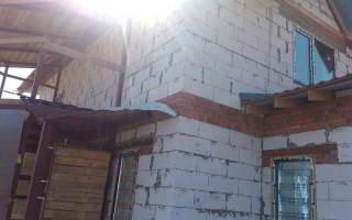 Дом из газобетона - фото сейсмопояса из кирпича